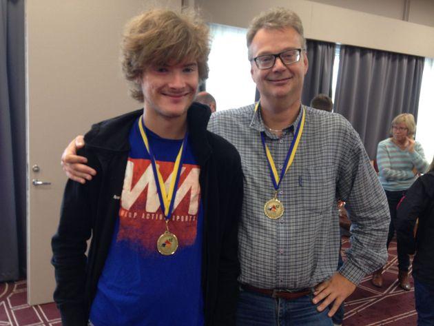 Den försvunne sonen Ola hittades av pappa och fick sin medalj