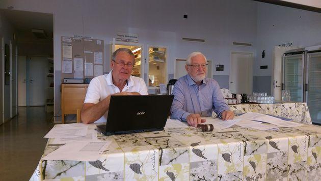 Mötets sekreterare Frank Westman, samt ordförande Hans Börling